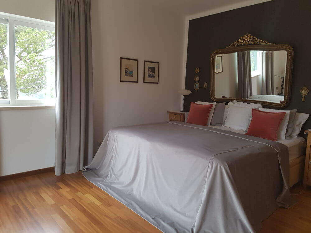 The cozy and comfortable Mary's Suite at Vila de Sol is ideal for enjoying a relaxing holiday close to the beach and nature.